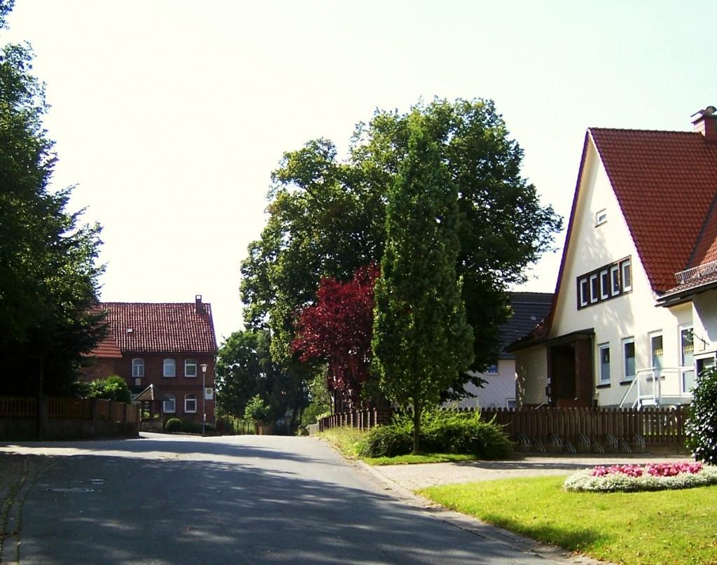 Neersen, Dorfstraße